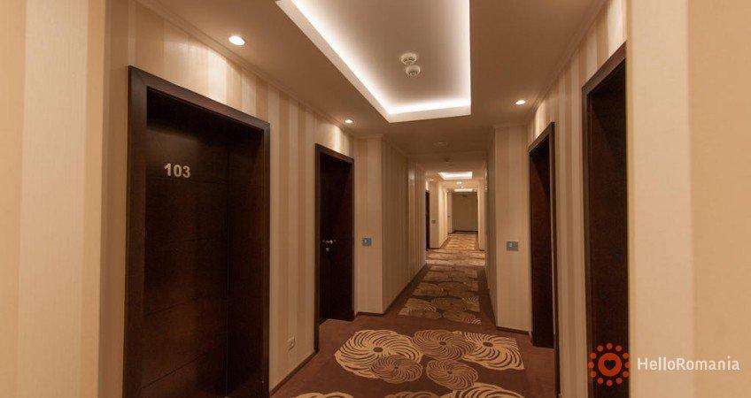 Foto Hotel Coroana De Aur