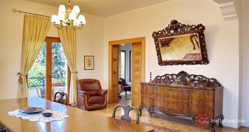 Vedere de ansamblu Casa Cranta Brasov