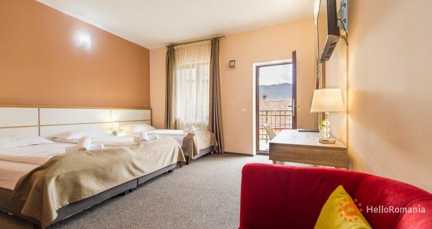 Foto Hotel Long Street Brașov