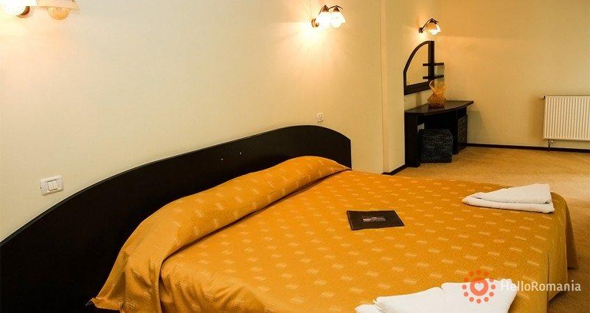 Foto Hotel Poiana Ursului