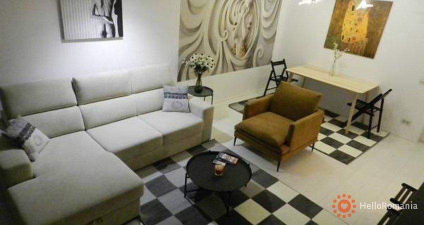Cazare Apartament Palace