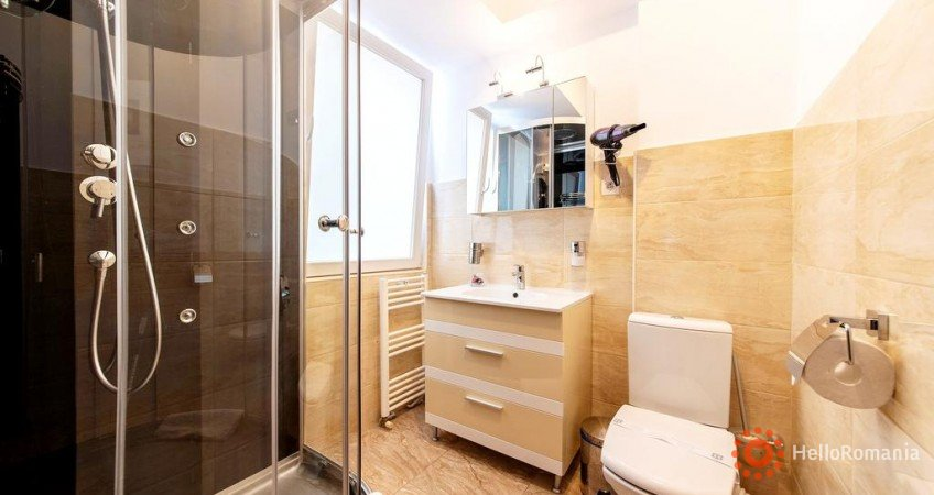 Galerie Bucur Accommodation