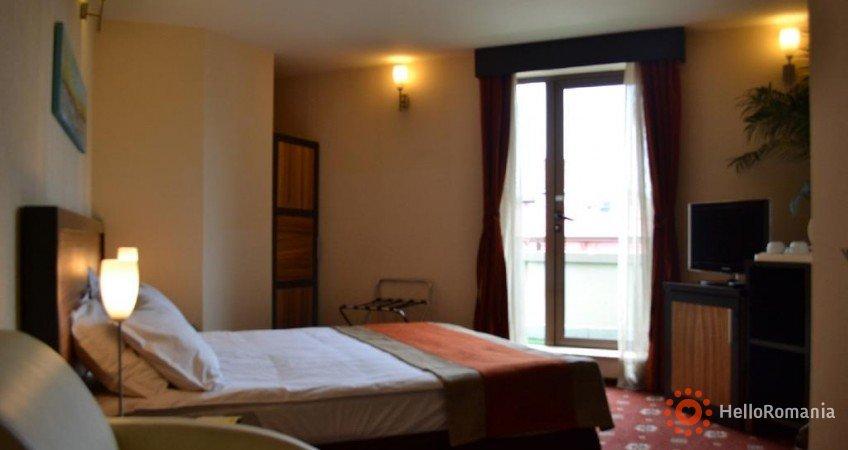 Foto Hotel Duke Armeneasca