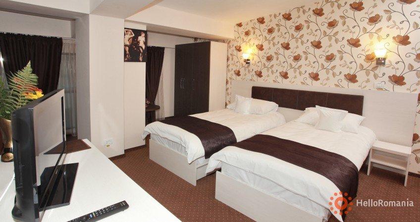 Cazare West Plaza Hotel