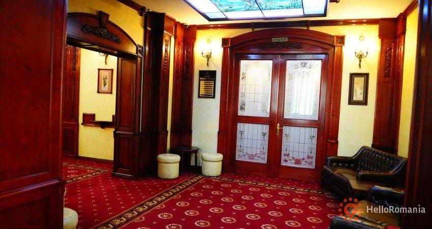 Cazare Hotel Golden House