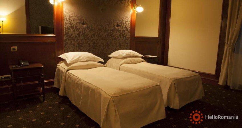 Cazare Hotel Select