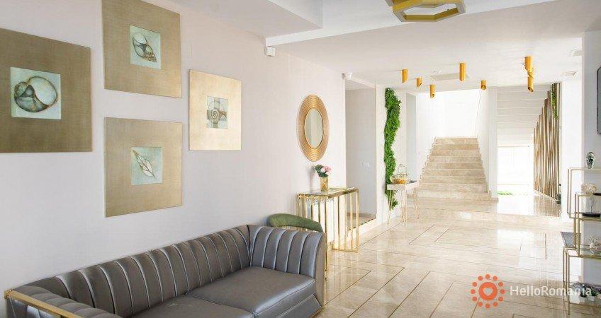 Cazare Hotel MANOR