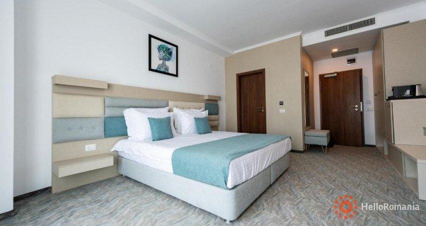 Cazare Hotel MANOR Mamaia-Sat