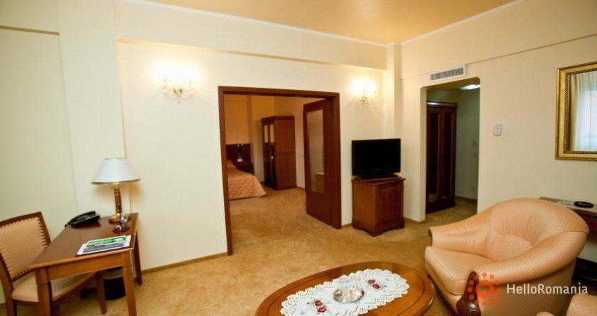 Cazare Hotel Maxim