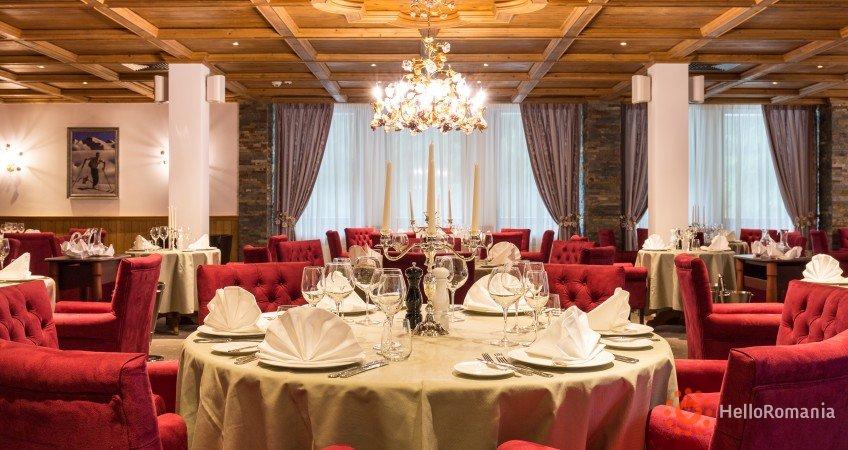 Vedere de ansamblu Teleferic Grand Hotel Poiana Brasov