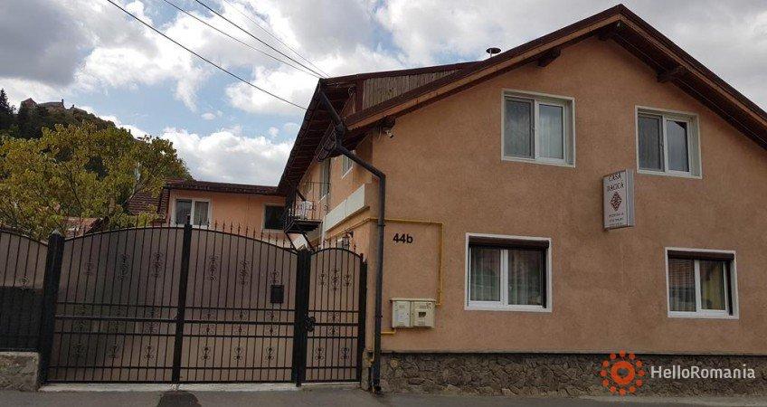 Vedere de ansamblu Casa Dacica Râșnov
