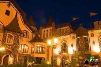 Foto Castelul Printul Vanator & Dracula Turda