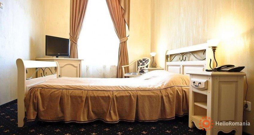 Cazare Hotel Carol